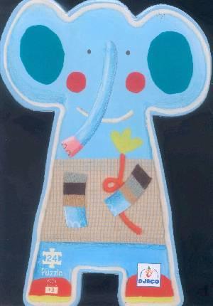 Una elefanta se balanceaba sobre una tela de araña