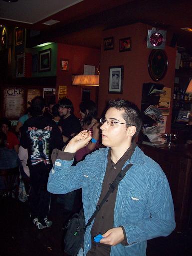 Miguel Galve campeon del concurso de dardos de las VII jornadas Aragon en Internet